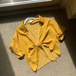 urban outfitters yellow top size medium